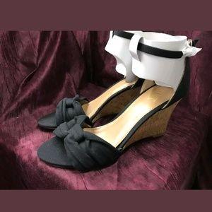 Black Light Cushioning Wedge Open Toe Sandals
